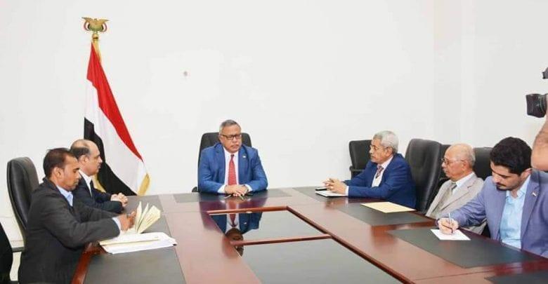 Photo of رئيس الوزراء يلتقي وزيري النقل والتعليم العالي