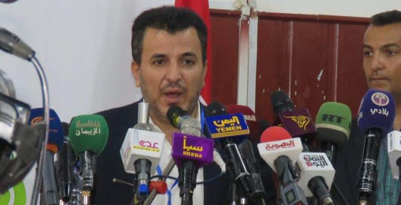 Photo of وزير الصحة يؤكد أن استمرار إغلاق مطار صنعاء أمام المرضى جريمة بحق الإنسانية