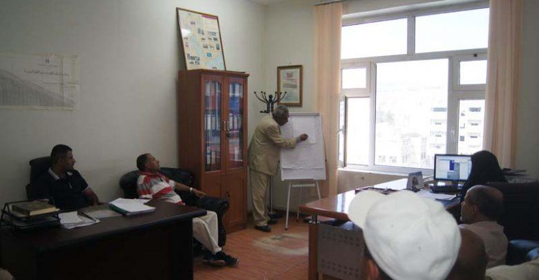 Photo of قطاع النقل البري يقيم دورة تدريبية حول شركات النقل البري الخاصة