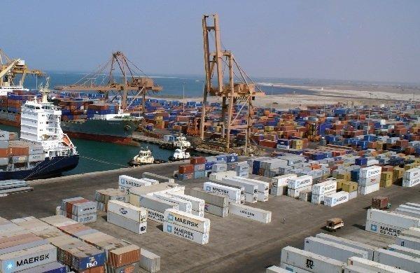 Photo of مؤسسة الموانئ تنفي مزاعم العدوان إستخدام ميناء الحديدة لأغراض عسكرية