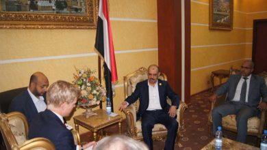 Photo of وزير النقل يناقش مع السفراء الأوروبيين في مطار صنعاء وميناء الحديدة 21 01 2020