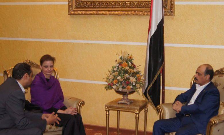 Photo of وزير النقل يلتقي نائب رئيس بعثة الأمم المتحدة لدعم اتفاق الحديدة 01/02/2020م