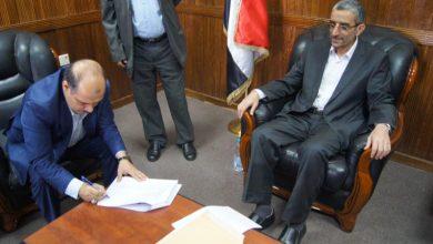 Photo of مكافحة الفساد تتسلم 19 إقراراً بالذمة المالية من وزير النقل وقيادة الوزارة 11-3-2020